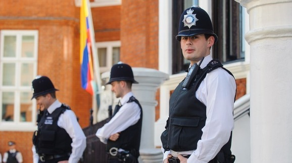 Met Police Spent £11m Guarding Julian Assange