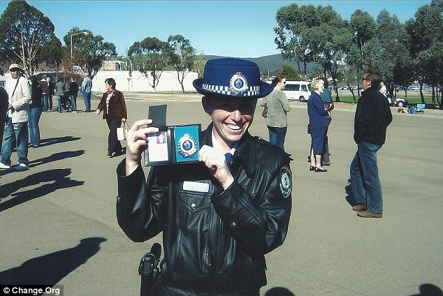 New South Wales Police Force officer Amy Shaw at the graduation ceremony in 2006.